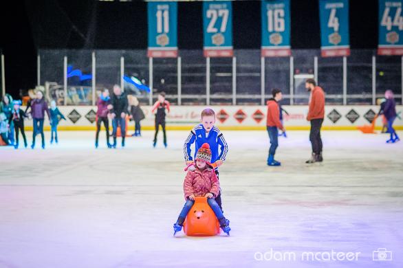20160103_ice_skating-2876-11